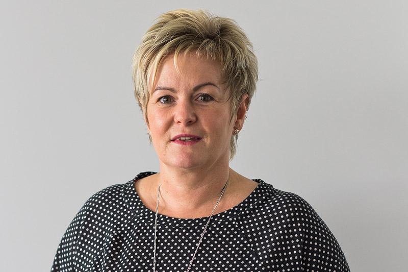 Jana Erbisch, Zahntechnikerin bei Rißmann Zahntechnik in Lauchhammer